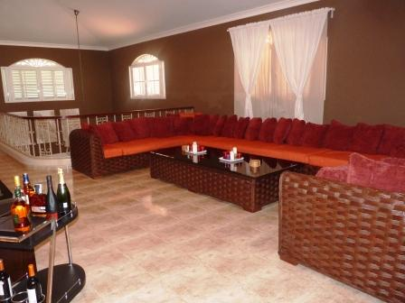 metro-golf-and-country-club-rental-villa-5-br-upstairs-living-area