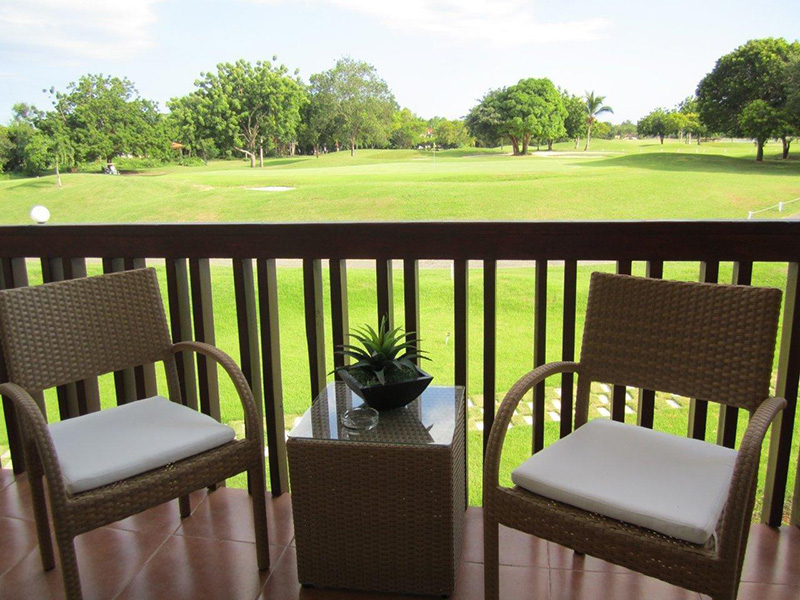green-paradise-apt-view-to-course