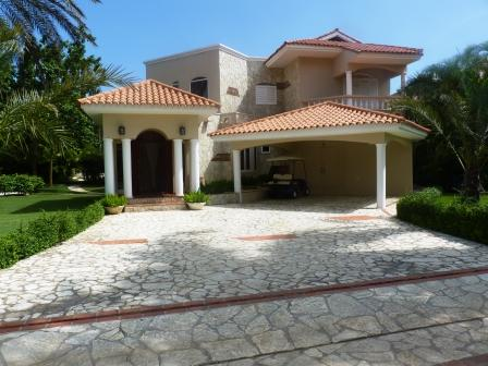 metro-golf-and-country-club-rental-villa-5-br-ourtside-front-view