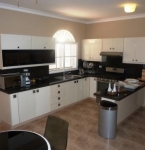 metro-golf-and-country-club-rental-villa-5-br-kitchen